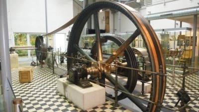 2015-03-05_werkzeugmuseum_dampfmaschine_640.jpg