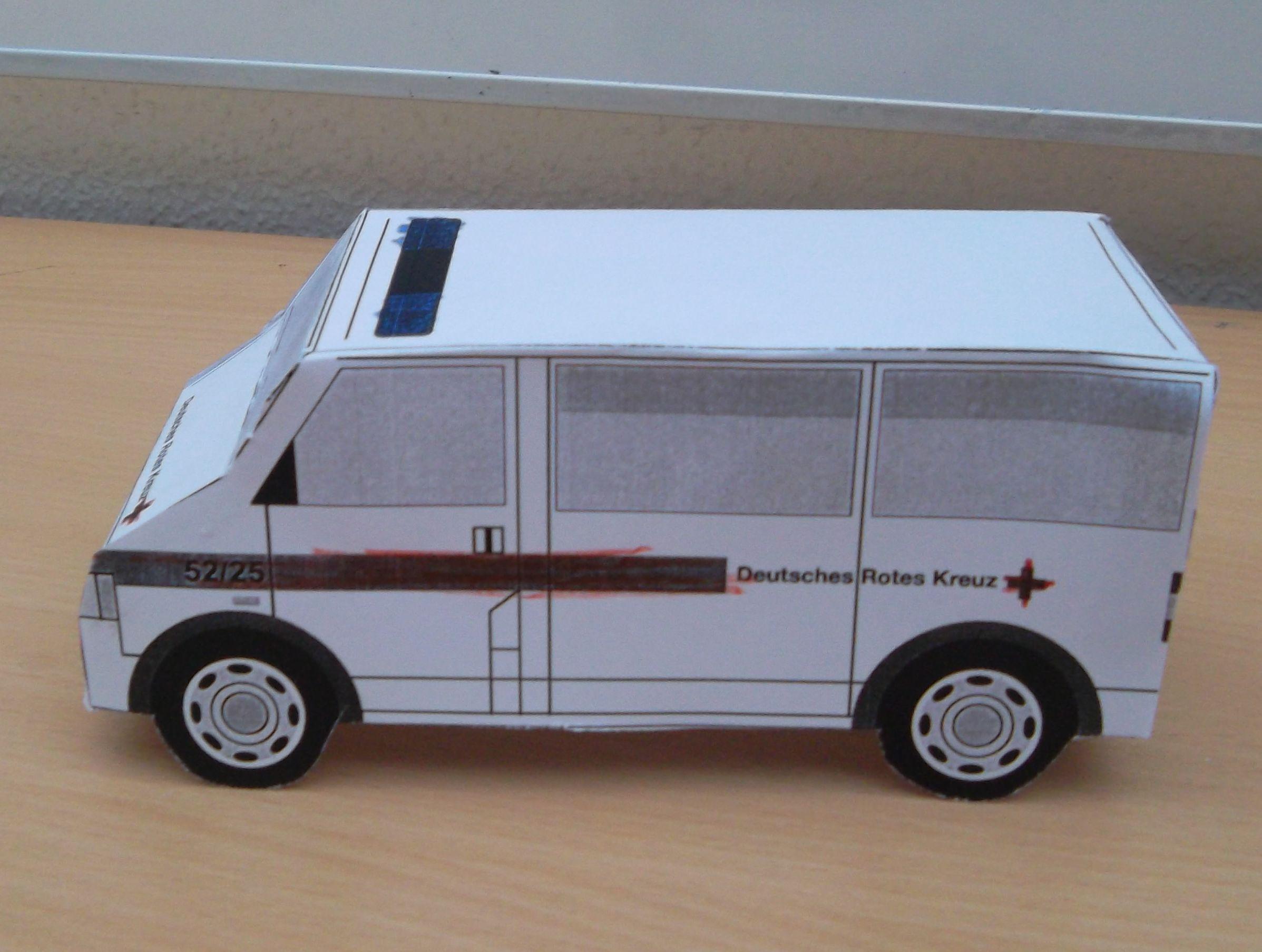 projektwoche erste hilfe krankenwagen basteln. Black Bedroom Furniture Sets. Home Design Ideas